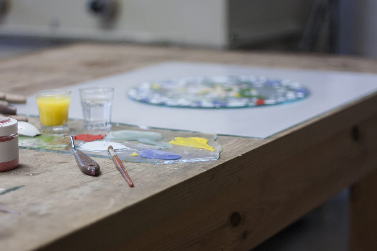 Painting on glass plates
