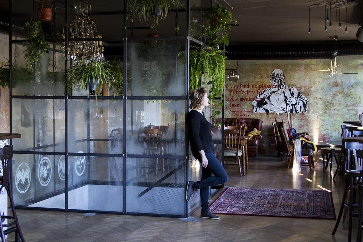 Уникальный стеклянный дизайн в интерьере. Панели из плавленого стекла. Glass Point