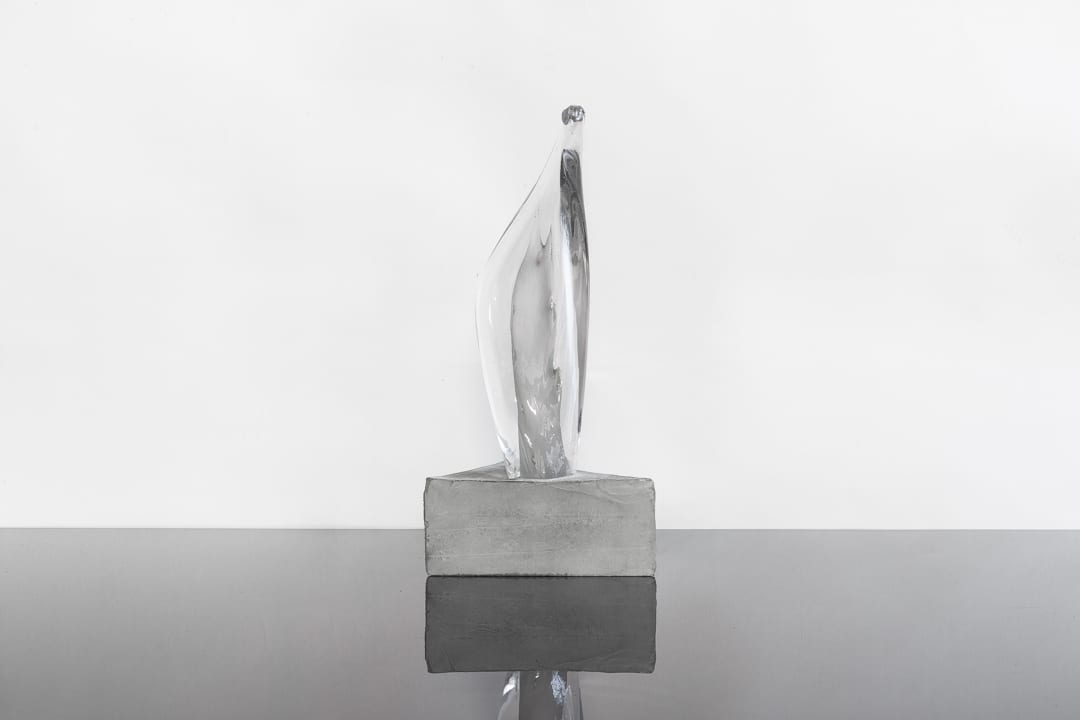 Awards and Trophies from Glass. Unique glass award with lights and bubbles. Glass Point