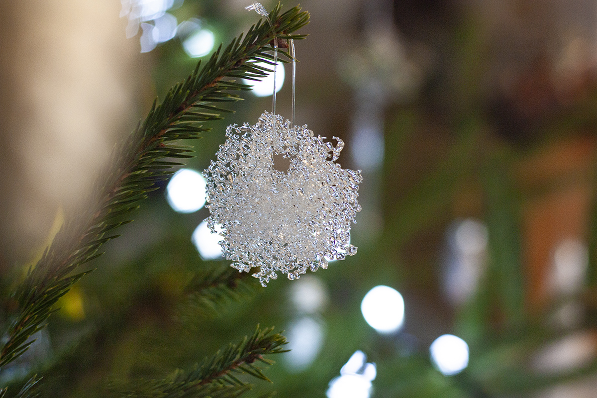 Unique Handmade Corporate Glass Gifts and Souvenirs. Glass snowflakes. Glass Point
