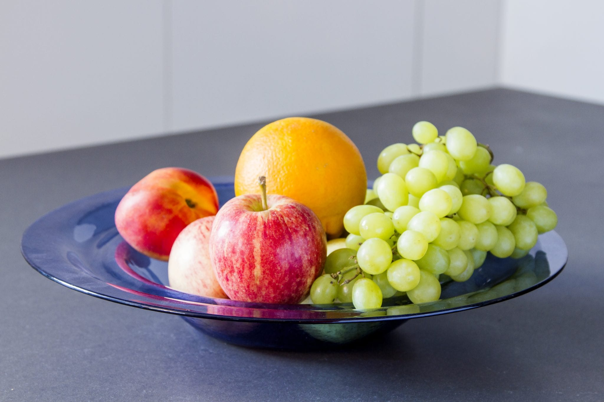 """Elegant and minimalistic handmade glass fruit plates. Design collection """"Motion"""". Hand blown glass. Glass Point"""