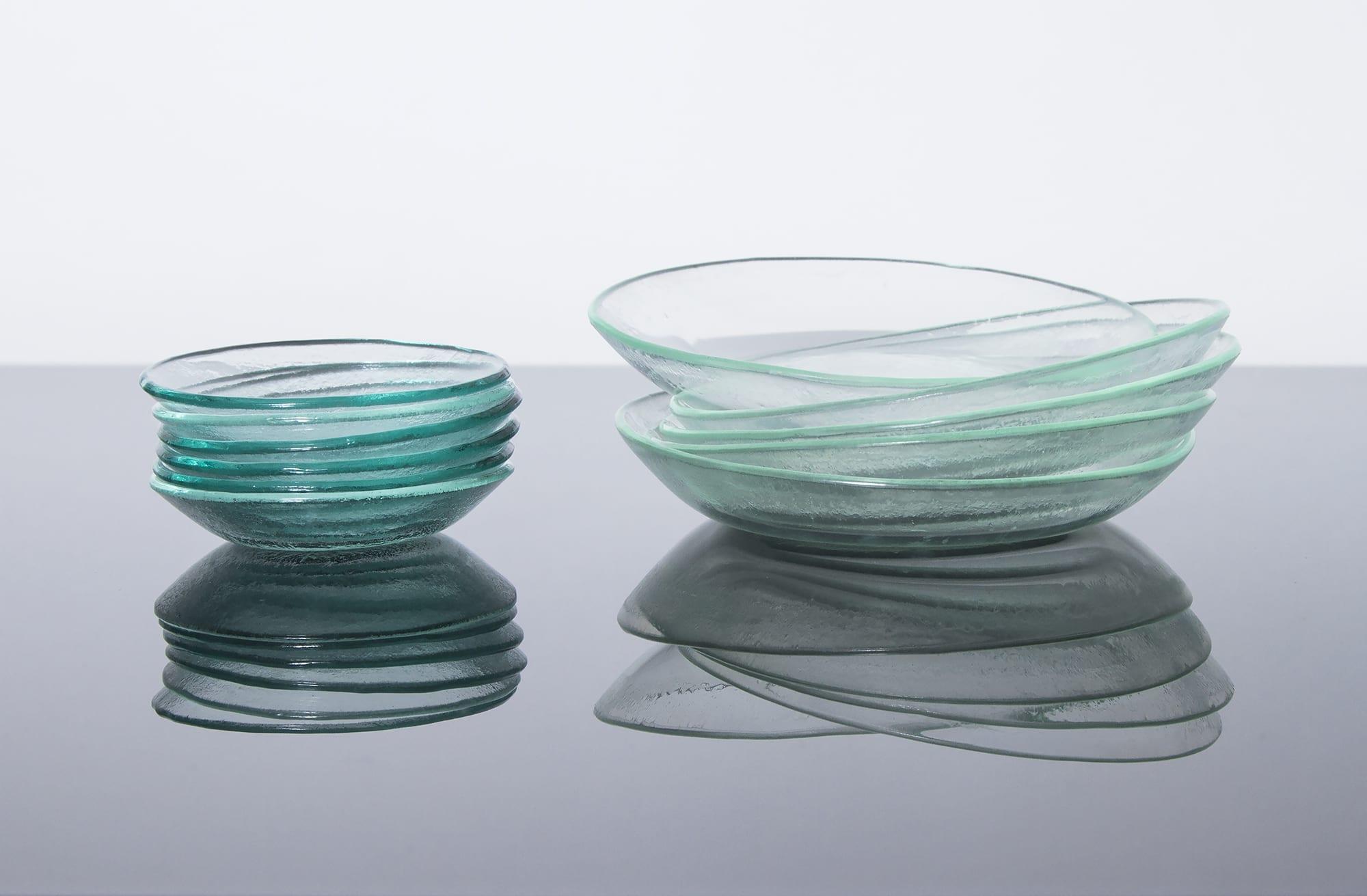 """Сеткелание тарелки. Коллекция """"Практическая"""" для вашего обеденного стола. Изготовлена из переработанного стекла. Glass Point"""