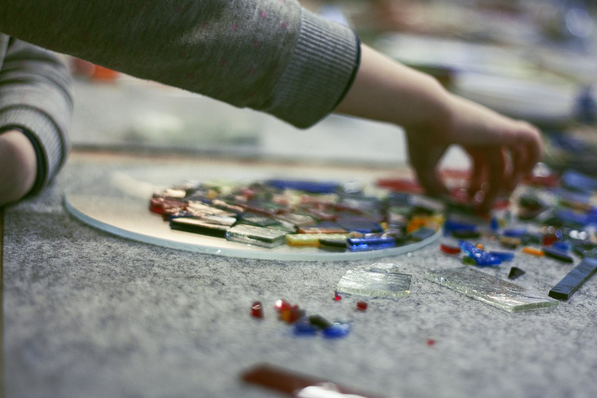 Process of making a Colorful Handmade Mosaic on Glass Plate. Workshop at Glass Point