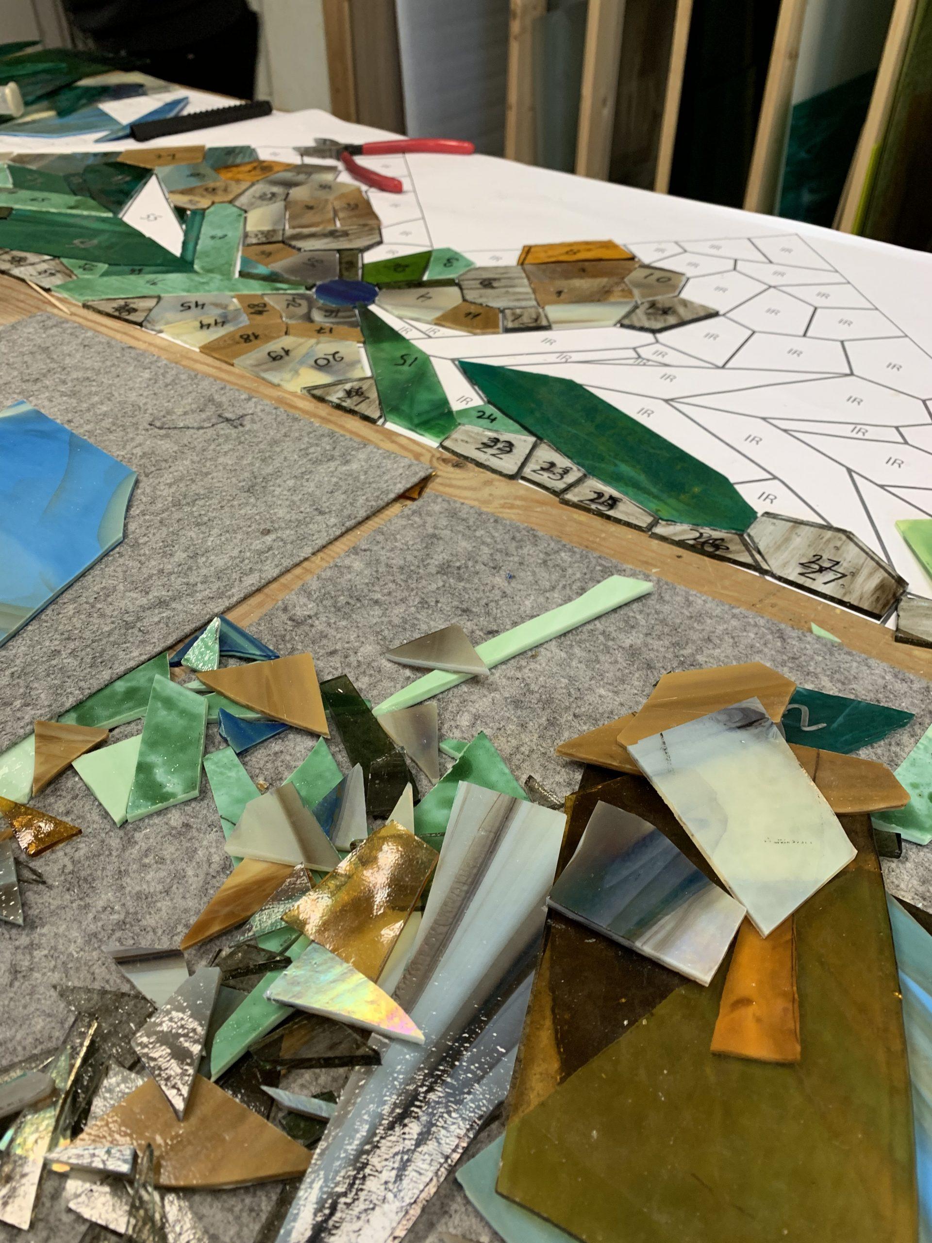 процесс изготовления витражного стекла. интерьер. Glass Point