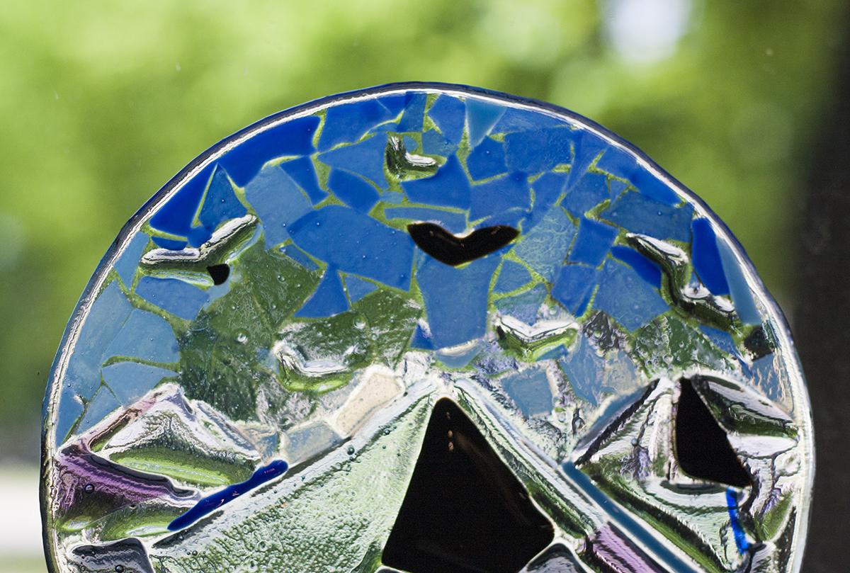 Stikla mozaīkas tehnikas radošā darbnīca. Stikla šķīvis. Glass Point