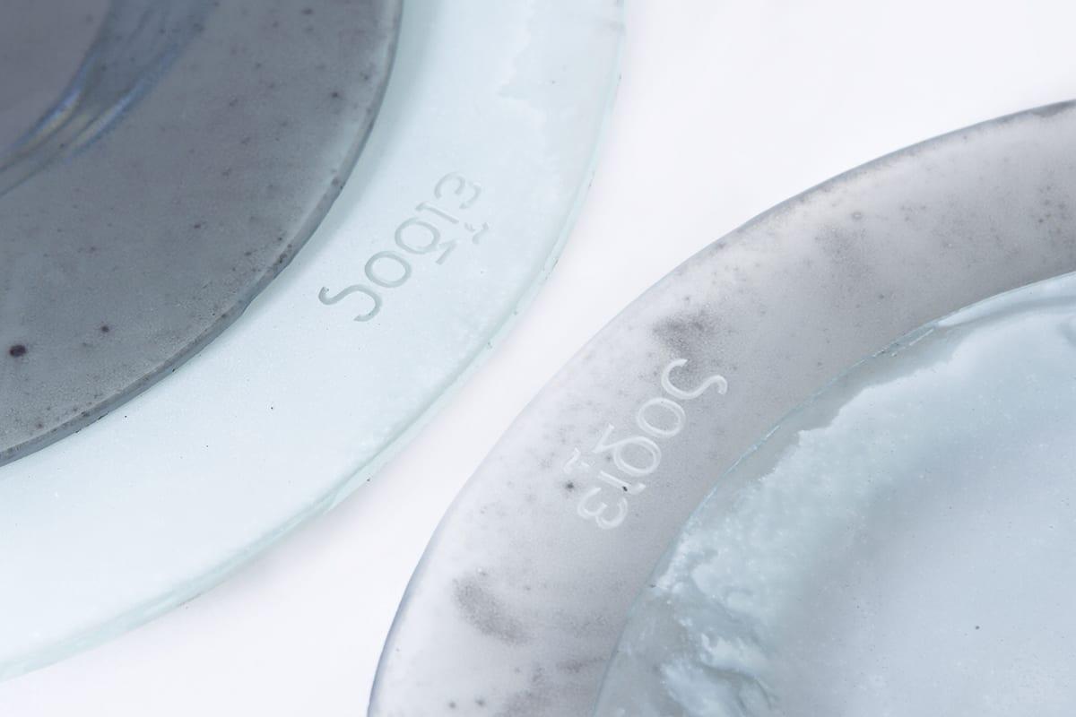 Stikla trauku kolekcija - Eidos. Roku darbs. Minmalistisks dizains. Individuāli pielāgojami izmēri un krāsas. Glass Point