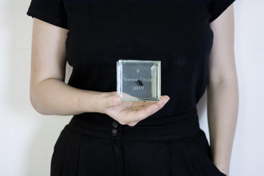 Balvas, pateicības un apbalvojumi. stikla skulptūra kubs. Glass Point