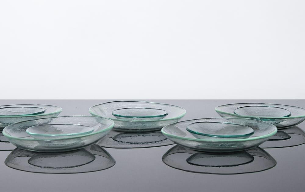 Stikla trauku kolekcija - Basic. Radīta no pārstrādāta stikla. Roku darbs. Šķīvji. Glass Point