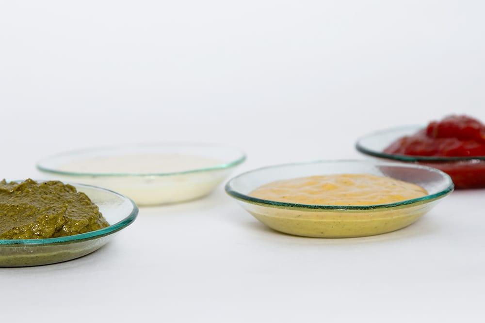 Stikla trauku kolekcija - Basic. Radīta no pārstrādāta stikla. Roku darbs. Šķīvji ar mērcēm. Glass Point